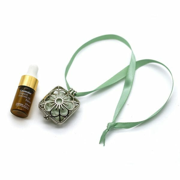 Belle Aroma - Aromatherapy Scent Pendant with Lavender Oil